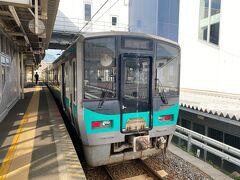 敦賀駅から小浜線に乗ります。  秋のダイヤ改正で減便される。