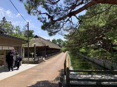 次は「清水園」にやってきました。左側に見えるのは「足軽長屋」でして、後で訪問したいと思います。