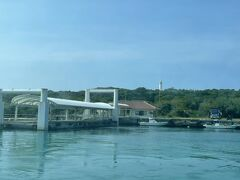 15:20の八重山観光フェリーで西表島@上原港へ向かいます。  この便は鳩間島経由。 久し振りに鳩間島を見た。