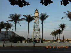 橋頭海灘公園から数分東に歩くと安平灯塔があります。構造的には灯塔と言うよりは火の見櫓みたいでした。