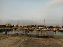 安平はリゾート地区らしく安平漁港にはたくさんのレジャーボートが停泊していました。