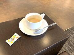 おはようございます!こちらも久しぶりのJALラウンジ。 あまり時間がなかったのでコーヒーを飲んでさっさと退散。