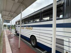 到着遅れも待っていたバス  本来は9:15発  連絡バス http://www.toutetsu.co.jp/img/misawa_airport_bus.pdf