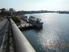 安億橋から見た安平港と安平漁人碼頭です。