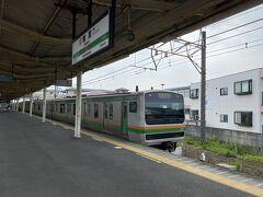 今回は小田原ではなく一つ先の早川駅で降ります。 乗車した電車は小田原止まりで階段を使った乗り換えになるので、一つ手前の鴨宮で熱海行きに乗り換えました。