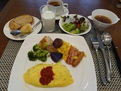 では、美味しい朝食ブッフェを食べに行きましょう! これはこの日食べた一例です。