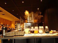 ホテルソニアさんの朝食会場です。 綺麗で落ち着けますし、洋食 和食 デザートも一通りありますよ。