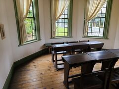 旧弘前市立図書館・・・無料なんで中を見学