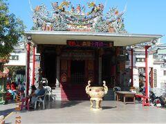 妙壽宮です。安平旅遊服務中心から古堡街を南に数分のところにあったお寺です。三級古跡「妙壽宮」と刻まれた石柱があったのでびっくりでした。小さな寺院だったので三級ってランクなのかもです。