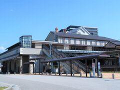 そして米原から電車で長浜駅着。  ヤンマーミュージアムはちょっと離れてるので、行きだけタクシーに乗りました。  その道中、驚きの光景が…