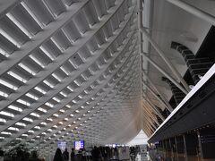 富山空港を午後出発、桃園空港へは午後4時ごろに到着です。  こちらはおなじみの第1ターミナル、チャイナエアライン便は確か第2ターミナルに到着するかと思います。
