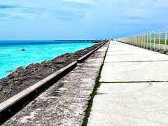 宮古島から伊良部大橋を渡り伊良部島へ。そしてさらに下地島に渡り下地島空港へ到着。