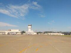 8時40分過ぎ、定刻より少し早く女満別空港に到着した。 雲の少ない空模様で、今日から登山できる日程にしておけば良かったとも感じた。