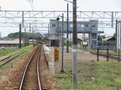 2021.07.25 福山ゆき普通列車車内 西阿知に到着。