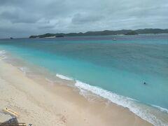 無事に何事もなく 2人の姉さんたちは阿嘉島に上陸  まずは北浜を見に!