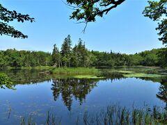 二湖の風景は今までの湖とはちょっと異なり、なんとなくカナディアン・ロッキーの湖に近い雰囲気。