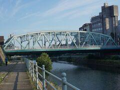 ●犀川大橋  初代の犀川大橋は、1594年に完成しました。木造でした。 犀川にかかる唯一の橋だったそうです。