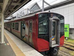 旅の1日目の9月11日の土曜日に今回の旅の出発点の東京駅から朝7時24分発の北陸新幹線『あさま603号』長野行に乗車、8時42分に軽井沢駅に到着しました。  軽井沢駅でしなの鉄道線に乗り換えて、最初の目的地のある小諸駅に向かいました。  乗車した8時53分発の快速長野行は、しなの鉄道の最新車両のSR1系電車でした。
