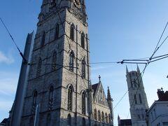 鐘楼  世界遺産「ベルギーとフランスの鐘楼群」の一つとなるこの鐘楼は、ゲント自治権の象徴として、またギルド繁栄の象徴として、1300年頃建てられました。