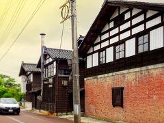 星野本店の並びにあるのが「長谷川酒造」。 創業170年とこちらも相当古い。通りに面す る煉瓦づくりの建物は大正時代の麹室。