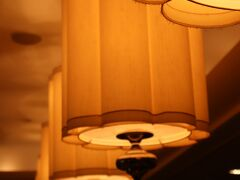 B3階から1階へ。 本日の宿は、ホテルインターコンチネンタル東京ベイ。