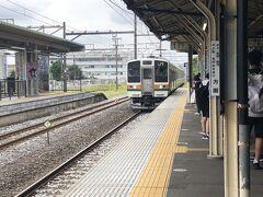 渋川駅で上越線に乗換え。