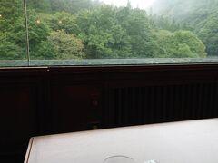 ★14:30 今宵宿泊する温泉宿「水上山荘」に到着。