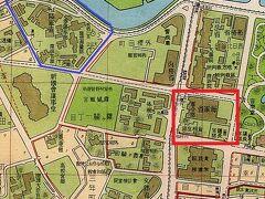 陸軍の参謀本部、陸軍省及び陸相官舎があった地域は、青線内の区域です。  赤色□線の中には、海軍の軍令部、海軍省、海相官舎がありました。  現在の厚生労働省庁舎(合同庁舎第5号館)付近です。