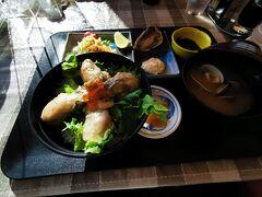 昼食をとるため、道の駅 厚岸グルメパークの「レストラン エスカル」で蠣ステーキ定食を食しました。 蠣がいろんな調理方法で提供されており、バラエティに富んでいて、なかなか美味しかったです。