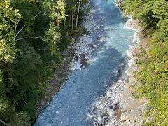美瑛川も青い川なんですね。