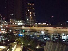 東京モノレール「天王洲アイル駅」 羽田空港にも行けます。