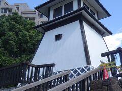 石川島灯台(ここは人足寄場跡です。)(石川島には江戸時代、無宿人の職業訓練を行う人足寄場が置かれた。鬼平こと長谷川平蔵の提案でした。)