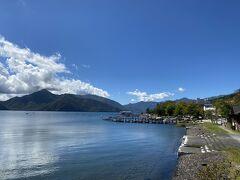 中禅寺湖もちょっとだけ観光。 天気に恵まれてとてもきれいです。