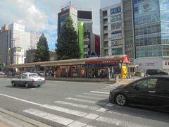 JR駅前に停留所があります
