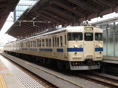 2021.09.05 熊本 改正で電飾が増備され熊本界隈の状況も変わった。だがしかし、こうして10時前に415系が下って来る。これがJR九州の懐事情だろう。2325М~332Мが415系充当列車。