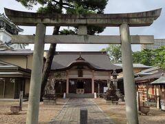 続いて、岡崎城の隣にある龍城神社を参拝します。