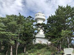 門脇崎灯台。 (今の時期、灯台の上には上がれなくなっていました)