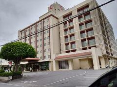美栄橋から徒歩10分(15分位かかったかも) 那覇セントラルホテルへ