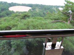 9月10日。 愛媛県松山市内から今治を経由して観音寺市内へ。 まずは琴弾公園で銭形砂絵を鑑賞。 この砂絵を見れば健康で長生きし、お金に不自由しないと伝えられているせいか、小銭を置いておく人が多いみたいでしたね。