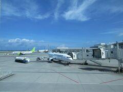 なにしろ、飛行機の出発時間が11時10分と早いので、さっさとチェックアウトして、レンタカーを返却し、空港へ。  沖縄、ガソリン代が高いですね(;'∀') 170円近い値段でびっくり。
