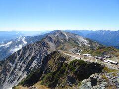 白馬岳山頂から杓子岳、白馬鑓ヶ岳方面
