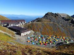 白馬岳頂上宿舎のテント場にはたくさんのテント