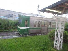 比奈駅。基本的にこの駅で電車とすれ違うことが多いようだ。