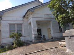 お腹もすいてきましたが、夕食を考慮し、人気の加世田地区にある カフェ poturi(旧鰺坂医院)へ。