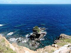 """立神岩が上から眺められるスポットです。 上からだと立神岩の""""良さ""""が出ませんね。"""