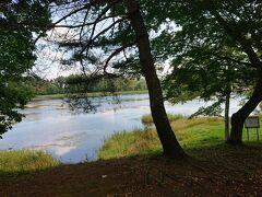 大座法師池。 大きく綺麗な池です。 周りにはキャンプ場やジップラインのフォレストアドベンチャーなどがあります。 ボートもあります。