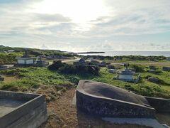 祖納の町の東外れにある「浦野墓地群」。 その一角に秘密のビーチがあります…