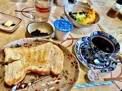 さて、今朝も朝7時から朝食です♪ 風の散歩道さんの朝食も今日で最後。 相変わらず美味しいのに!