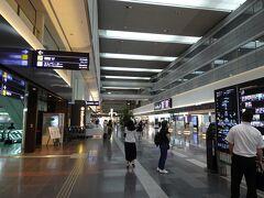 空港内はこんな様子です。(昼頃)