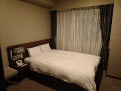 本日の宿、ドーミーイン小樽。1泊朝食付で7400円(+入湯税150円)。